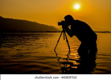 Filming in Nature / Film Maker in Nature / Travel Camera