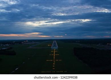 Approach Lights Images, Stock Photos & Vectors | Shutterstock