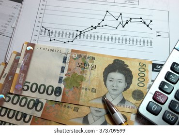 Financial accounting calculate and graph analysis with korean money
