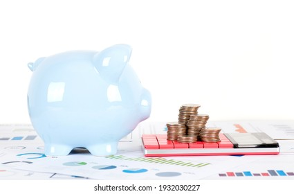 Financial scene with piggy bank
