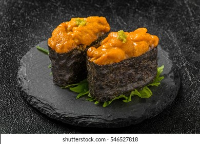 Finger sushi Japanese foods of the sea urchin