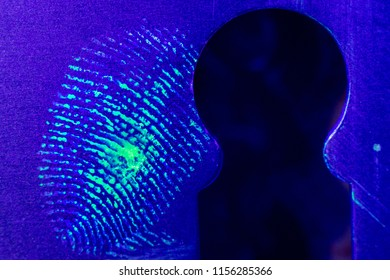 fingerprint near the keyhole, housebreaking