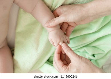 Fingers massage for newborn baby for speech development. This tactile gymnastics contributes to flow of impulses to brain. Develops attention, memory, coordination, development of speech, creativity.