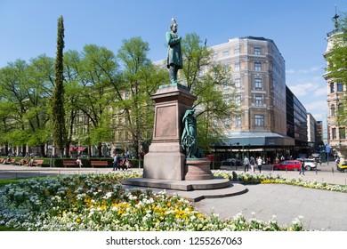 FINLAND, HELSINKI - MAY 15, 2018: View Of Esplanade Park. Statue Of Johan Ludvig Runeberg