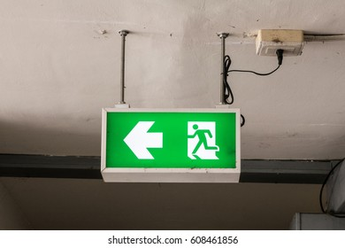 Fire emergency exit sign On the ceiling Plug