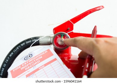 Fire extinguisher monthly check pressure guage