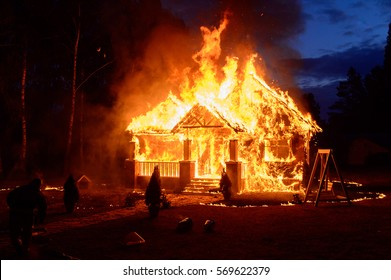 House Fire Images Stock Photos Amp Vectors Shutterstock