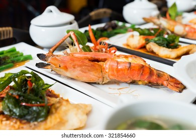 Fired shrimp on dish, Luxuary Thai seafood
