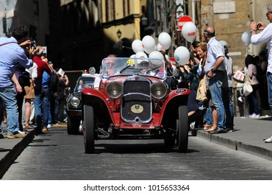 FIRENZE (FI) - 15 MAY 2011: unidentified drivers on Historic Car FIAT 514 Mille Miglia (1931) during Mille Miglia 2011 in the centre of Florence, Italy.