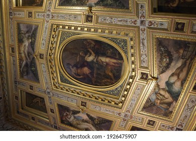Firenze - Italy - 07 01 2019: Sightseeing tour at the Palacio Vecchio Museum in Firenze in Italy