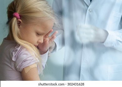 First aid for little girl