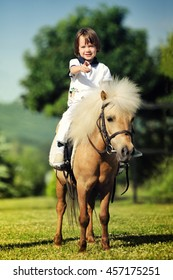First lessons of horseback riding
