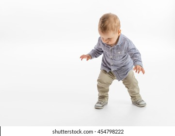 First steps of a baby boy