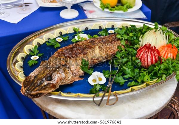 fish dish baked pike