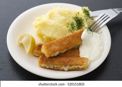 Fish fingers with mashed potatoes