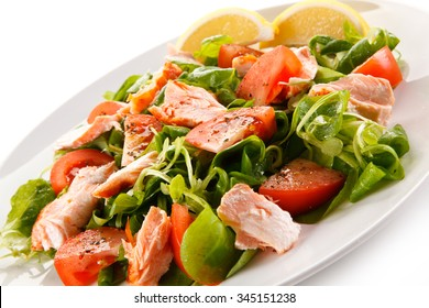 Fish salad - grilled salmon and vegetables