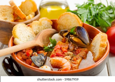 fish-soup-toasted-bread-260nw-59867959.j