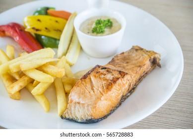 Fish steak with chipe