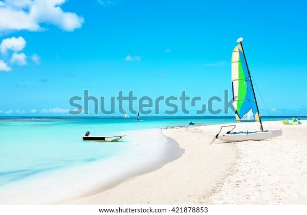 Fischerhütten auf der Insel Aruba im Karibischen Meer