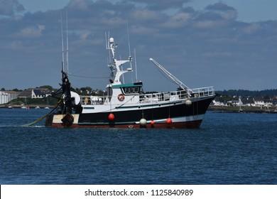 Afbeeldingen, stockfoto's en vectoren van Trawl Nets | Shutterstock