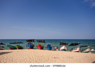 Fishing boats Parked on the beach
