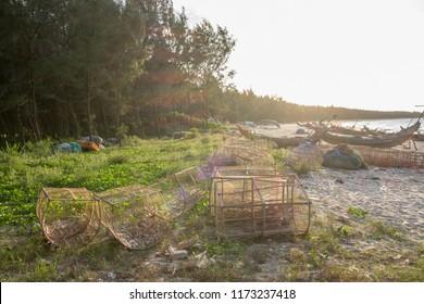 Fishing cage for trapping aquatic animals crab, shrimp, squid, octupus