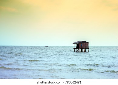 fishing house, coasts of Asian countries, sea and horizon, beautiful landscape