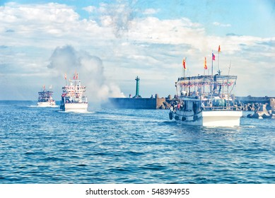 fishing vessels set out the voyage to the sea for fishing