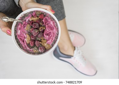 Fitness Raspberry Smoothie Bowl