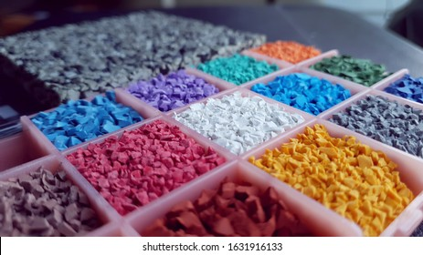 fitness rubber floor material flakes samples. colorful flakes to make unique fitness rubber flooring.
