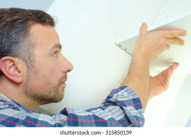 Fitting kitchen storage unit