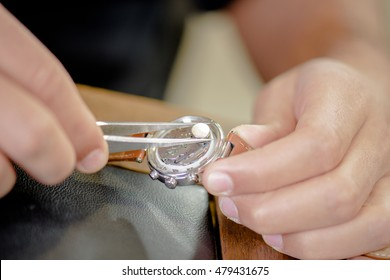 Fitting a watch battery