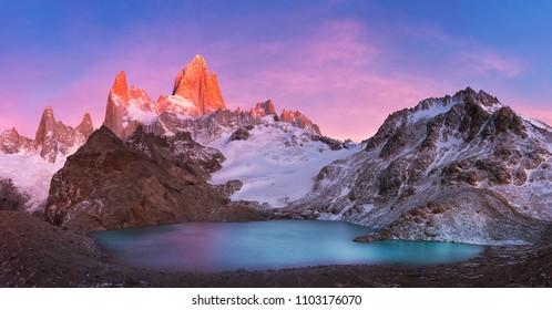 Fitzroy and Laguna-De-los-Tres at sunrise, Los Glaciares National Park, Patagonia, Argentina