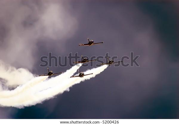 five jet plains
