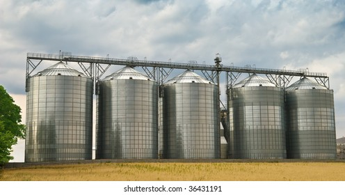 Five made of steel storage tanks in a ethanol factory