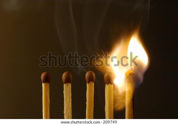 Five matches on dark background - ignition (setmatches)