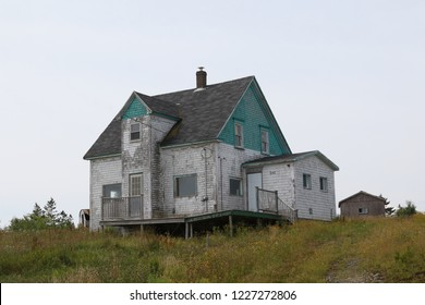 Fixer-upper house in Nova Scotia