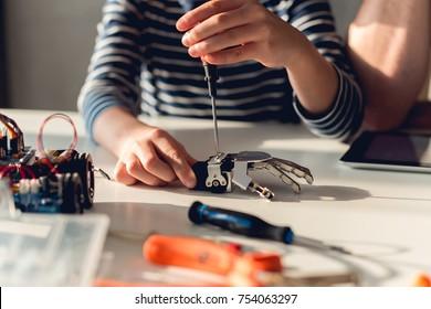 Fixing Robotic Arm