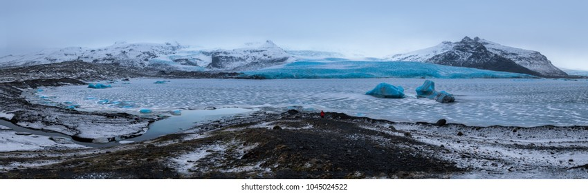 Fjallsarlon, a glacier lake at the south end of the Icelandic glacier Vatnajokull, in Iceland