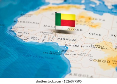 the Flag of benin in the world map