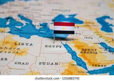 the Flag of egypt in the world map