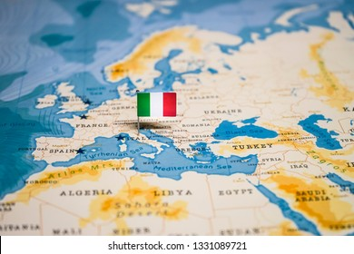 the Flag of italy in the world map