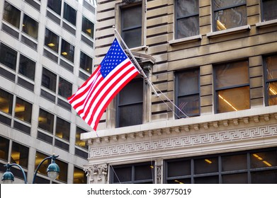 Flag of the United States on a skyscraper in New York City