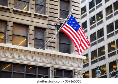 Flag of the United States on a skyscrapper in New York City