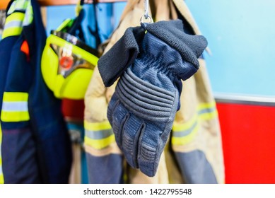 Flame retardant fire protection and work gloves.