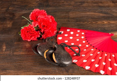 Flamenco colors in a still life with traditional objects