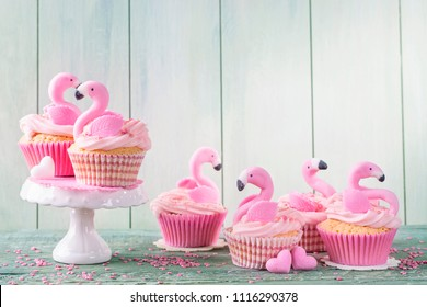 Flamingo cup cakes for party