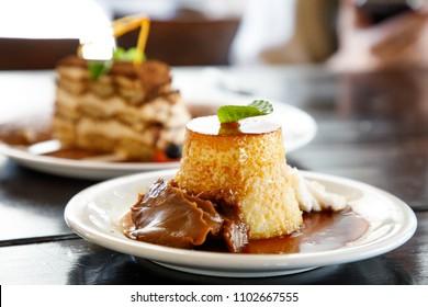 Flan con dulce de leche - Condensed milk pudding and eggs