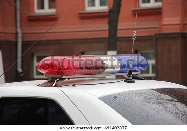 flashing-light-patrol-car-600w-691402897