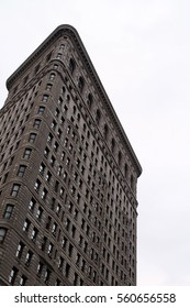 Flatiron Building facade in winter. Completed in 1902, it is considered to be one of the first skyscrapers ever built. New York City, Manhattan, United States - 29/12/2016